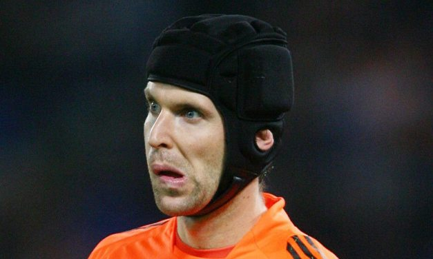 Keeper Merry-Go-Round Ready to Kick Off, Cech Could Leave The Emirates
