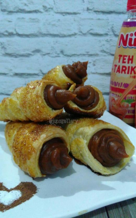 NuTehTarik Cream Corn Pastry