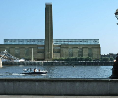 Man rips £20m work by Pablo Picasso at Tate Modern