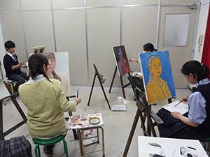 基礎科「油彩体験・自画像」