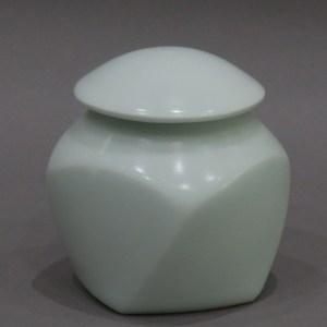 前田昭博 白瓷壺