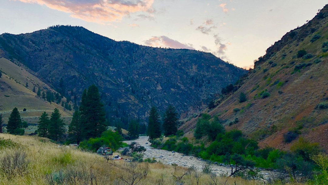 scenic-view-middle-fork-salmon-arta-river-trips-c