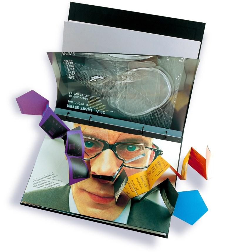 Antonio Barrese: TrashZappingPixel, 2004 - Novella visuale - Edizioni Viappiani Printing