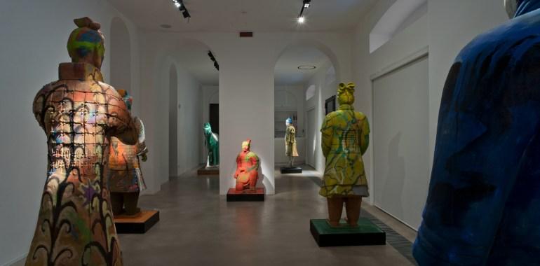 """NORA comunicazione: veduta della mostra """"Sandro Chia. L'esercito dell'imperatore"""" del 2019, presso la galleria AreaB di Milano"""
