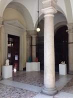 3 ingresso con sculture