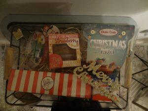 Gift set for fun at Christmas
