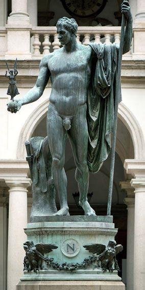 statua di napoleone realizzata da canova a brera