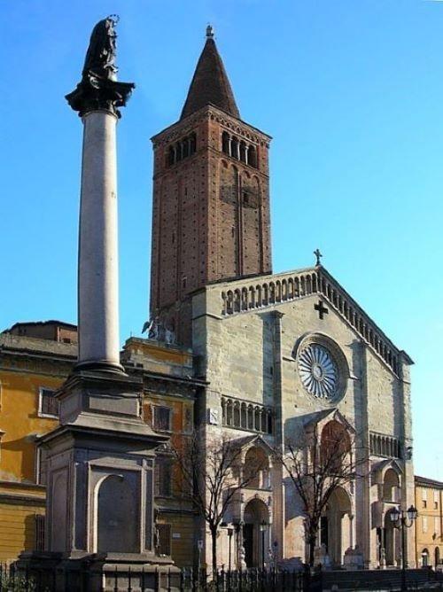 esterno cattedrale piacenza
