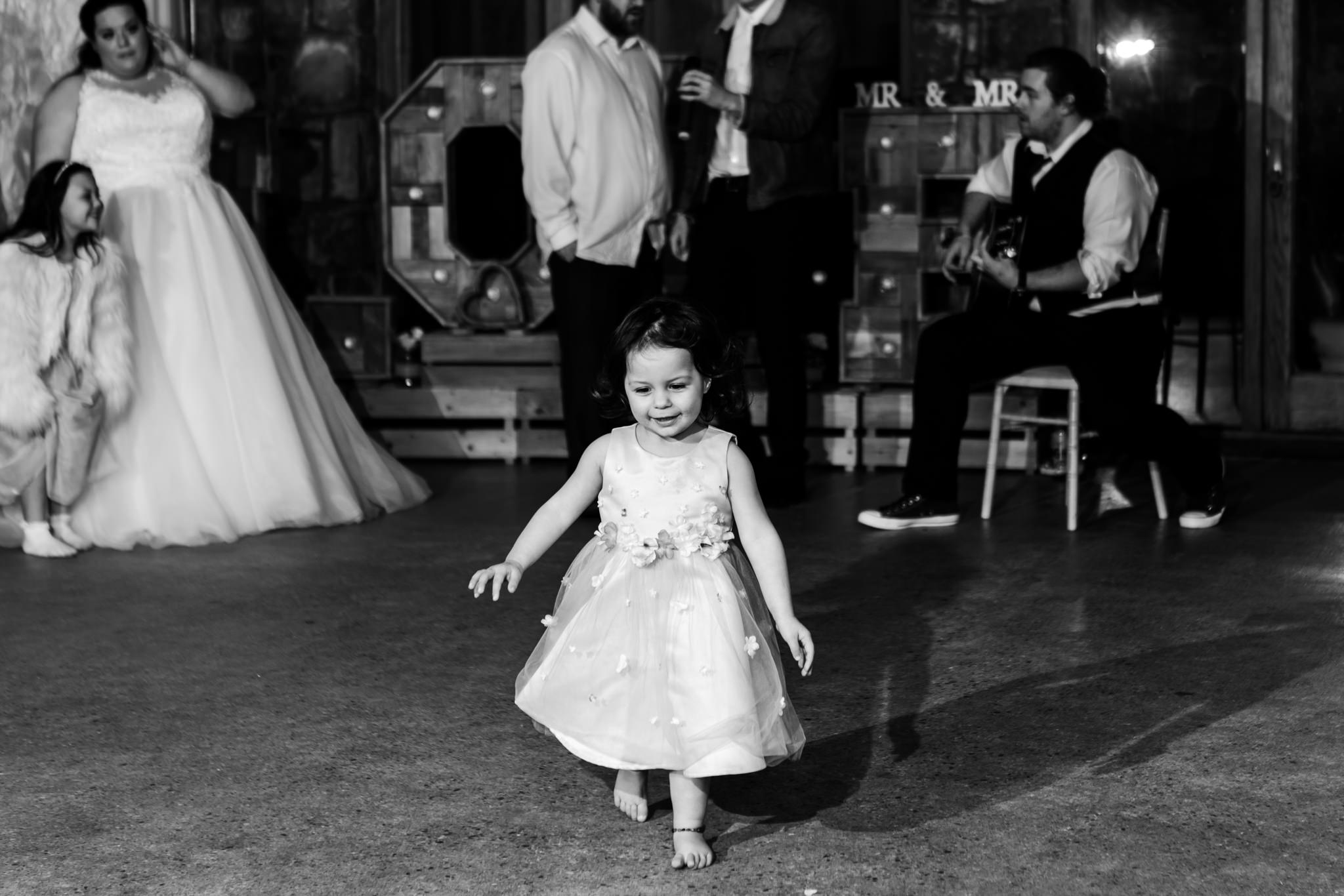 Rosedew Farm wedding Photography-74-Art by Design