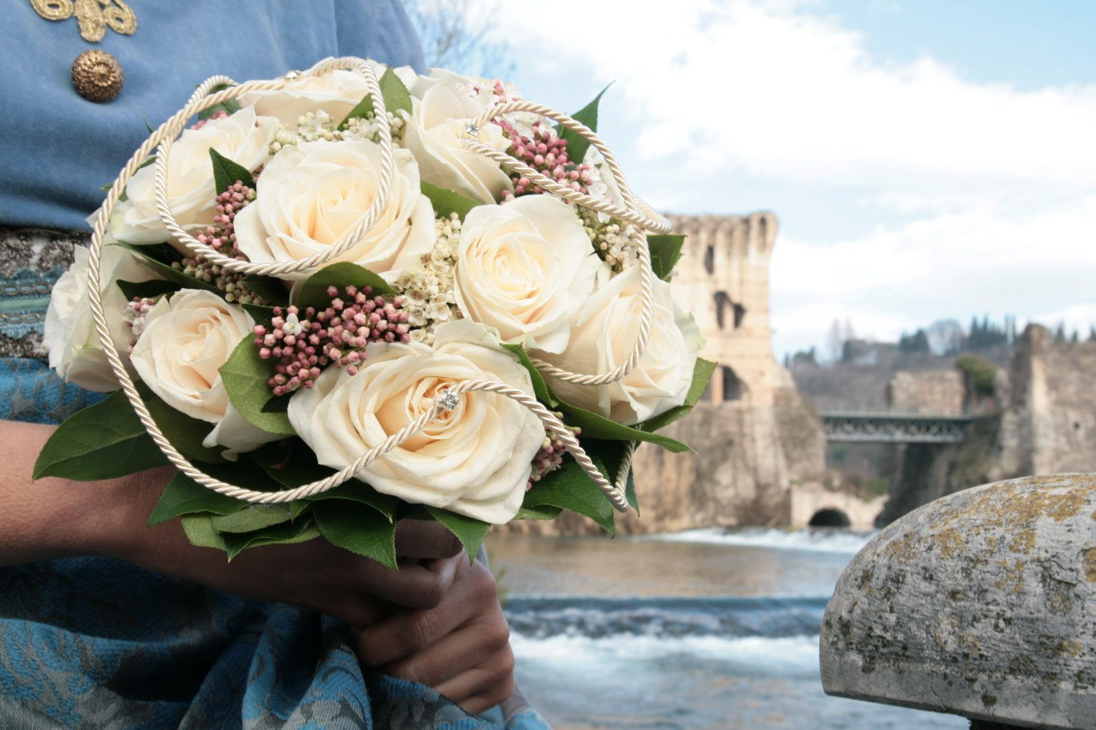 Il bouquet di rose per la sposa interpretato da Patrizia di Braida