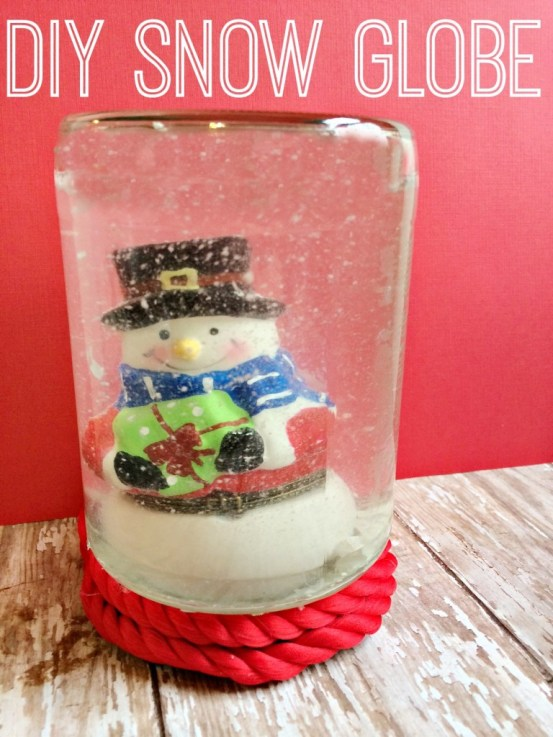 Easy DIY Snow Globe Tutorial #Craft for Kids