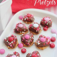 Valentine's Day Chocolate Pretzels