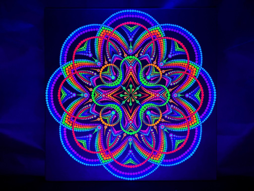 Ataque Alienígena UV Dot Painting