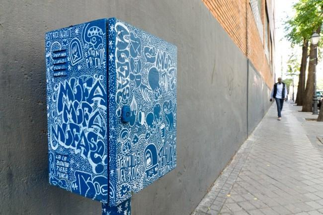 Blue box (16)