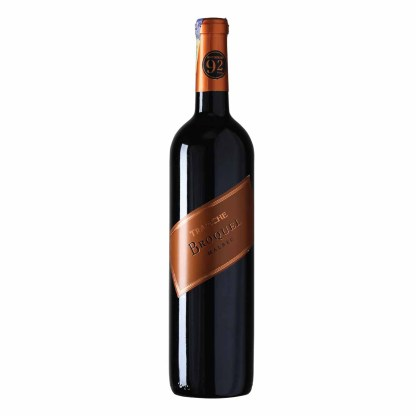 Trapiche Broquel Malbec from Argentina, Intense purple red color with ruby hues. Aromas of fresh red and black fruits, floral notes, and earthy minerals, with an elegant touch of smoke. Rich and spicy on the palate providing a long and pleasant finish.