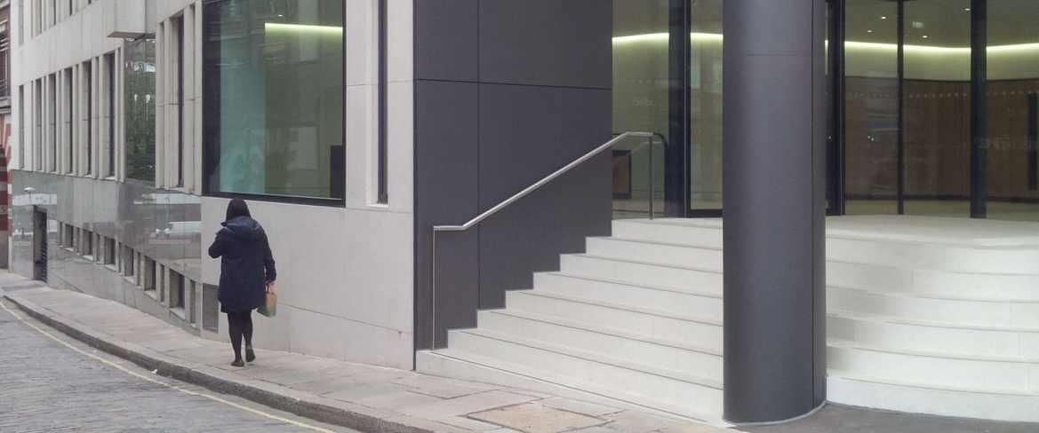 Non-slip safety treads - London Building