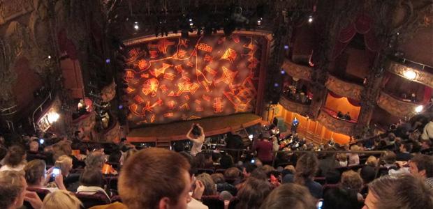 Escenario, patio de butacas. El Rey León, musical. Lyceum Theatre, Londres