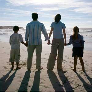 Muchos Homosexuales que Creían que no Nabía otra Opción están Casados y con Hijos