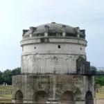 Il Mausoleo di teodorico con l'imponente cupola
