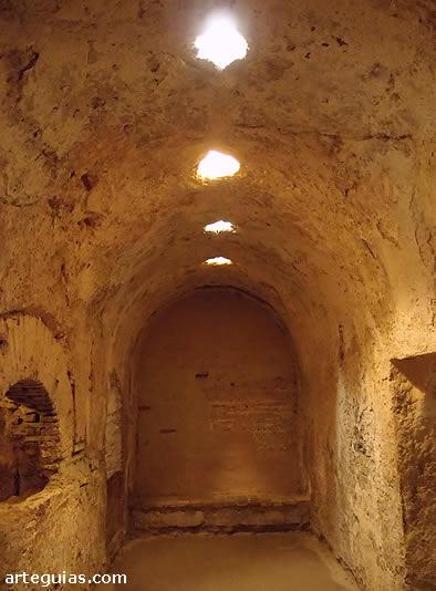 Una de la salas de los Baños de Doña Leonor