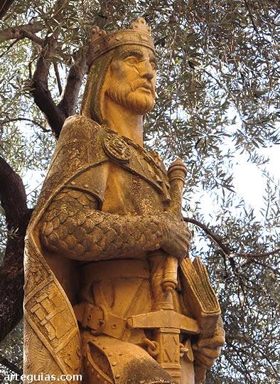 Estatua del rey cristiano Alfonso X