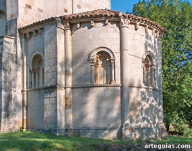 Perfecta cabecera de la iglesia de Siones