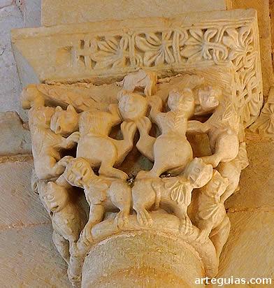Santa Eufemia de Cozuelos: capitel donde son protagonistas, nuevamente, los leones