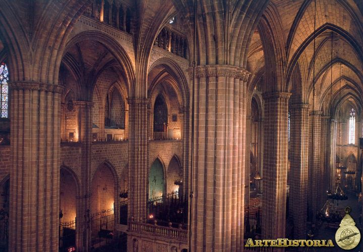 Interior de la catedral de barcelona historia del arte for Catedral de barcelona interior