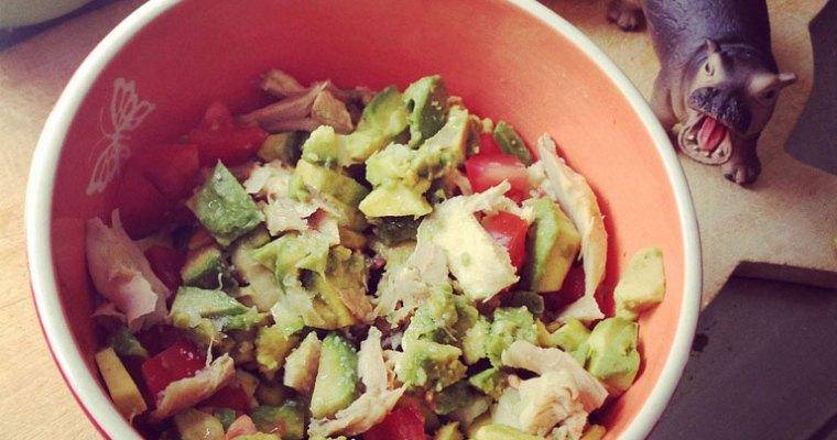 insalata di pollo, avocado e tahina