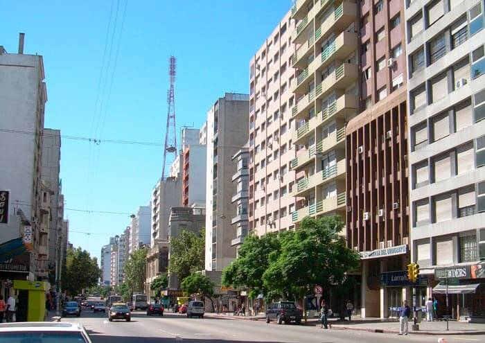 Avenida 18 de Julio en Montevideo, Uruguay
