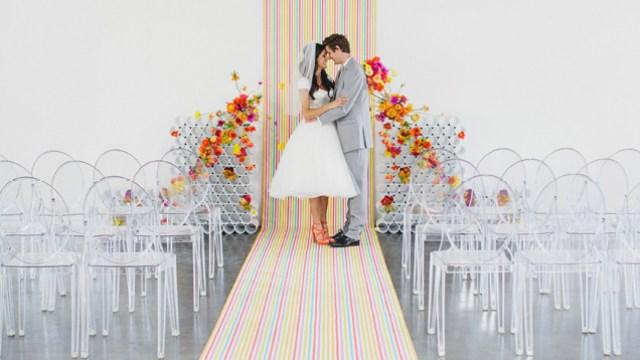 decoracao-de-casamento-com-cano-pvc-e-flores