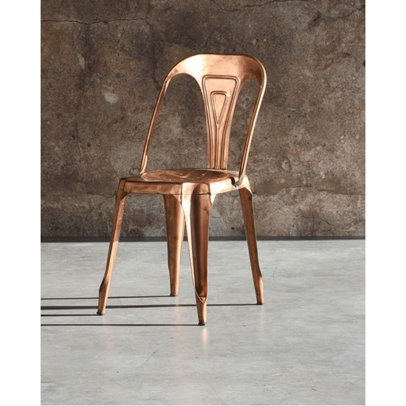 notre chaise tolix en metal galvanise de couleur rouille