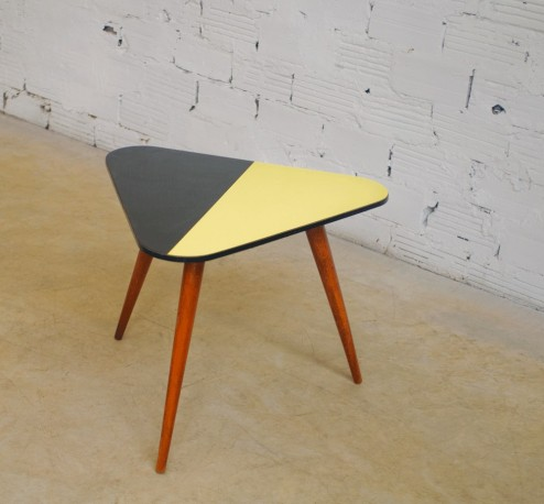 vintage tripod coffee table 50s 1950 made of beech triangular top formica yellow black color
