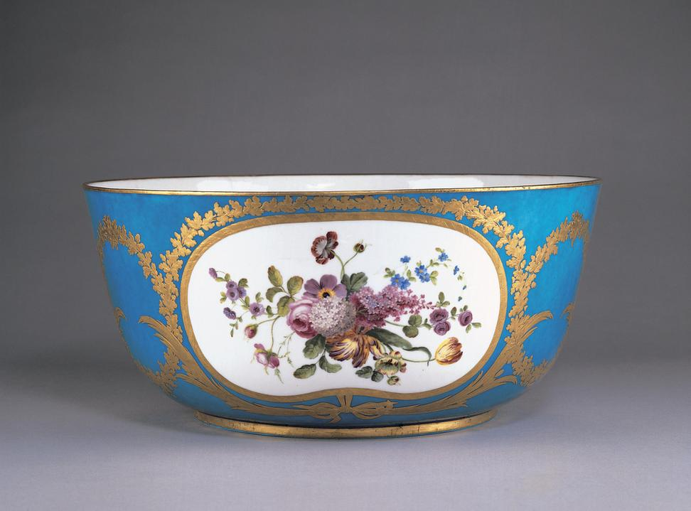 Punch bowl, 1768.  French, Sèvres Porcelain Factory, Decorated by Jean-Jacques Pierre, Soft-paste porcelain.  Wadsworth Atheneum Museum of Art, Gift of J.  Pierpont Morgan, 1917.1050.