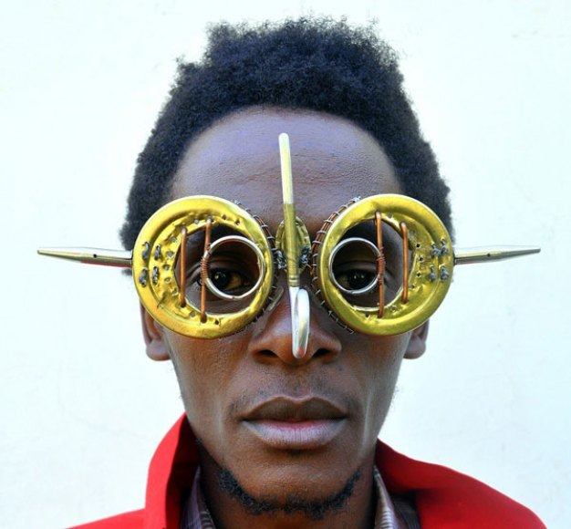 Cyrus Kabiru-C-stunners-sculpture-4-artforplus