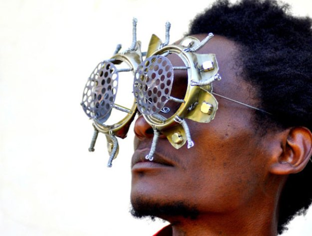 Cyrus Kabiru-C-stunners-sculpture-6-artforplus
