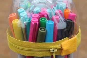 Membuat Kotak Pensil Keren Dari Sebuah Botol Bekas