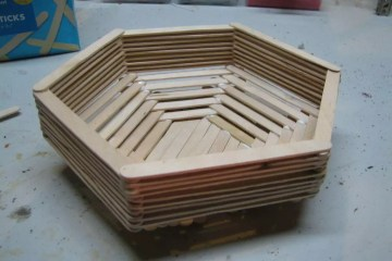 Membuat Keranjang Dengan Menggunakan Stik Es Krim