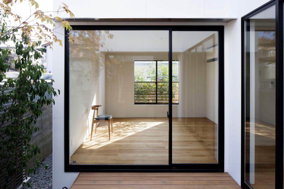 Desain Rumah Kontemporer Karya Studio Arsitektur Jepang CAPD Inc