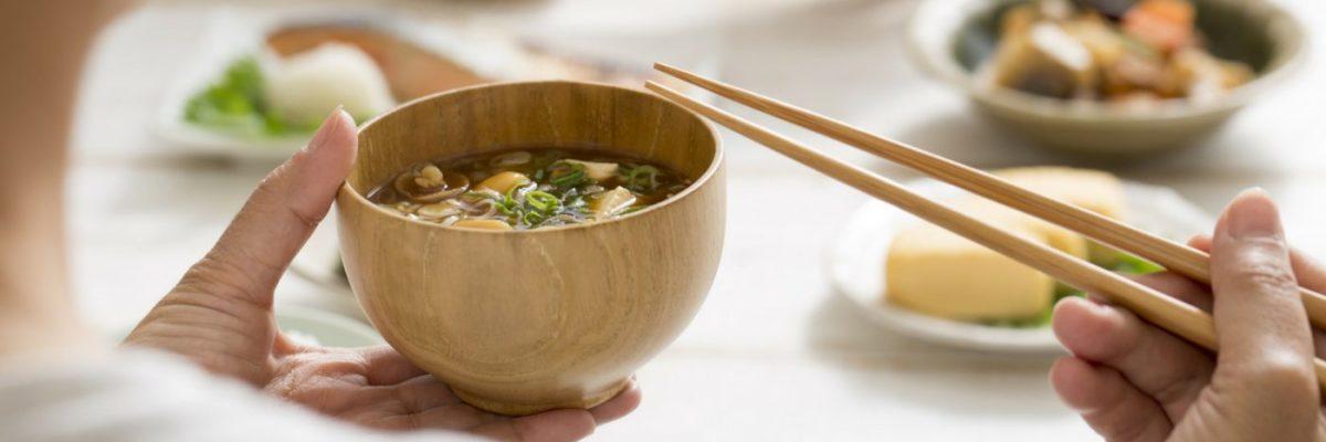 10 Bahan Yang Biasa Dimasukan Ke Dalam Sup Miso
