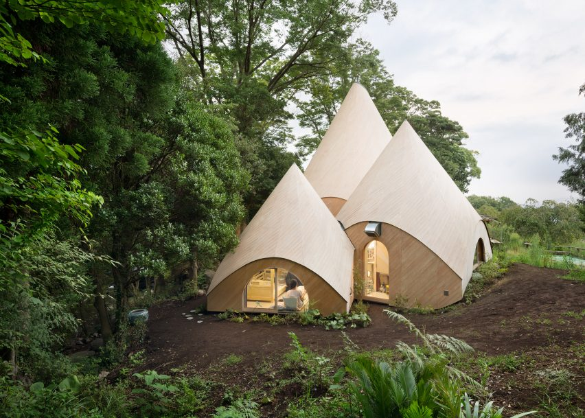 Bangunan Kerucut Untuk Komunitas Memasak Karya Arsitek Isse Suma