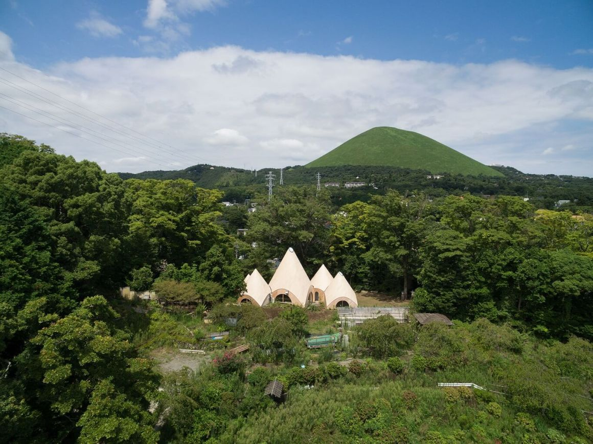 Bangunan Kerucut Untuk Komunitas Memasak Karya Arsitek Issei Suma