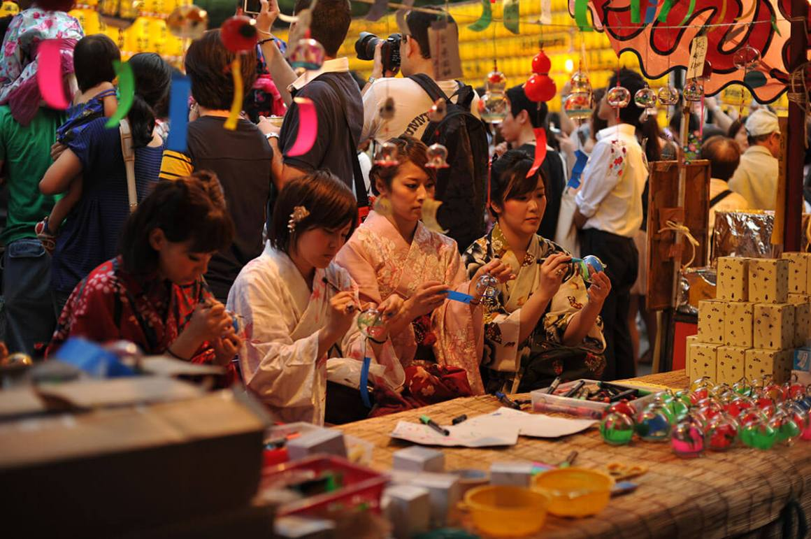 Festival Obon Yang Meriah Dalam Mitama Matsuri