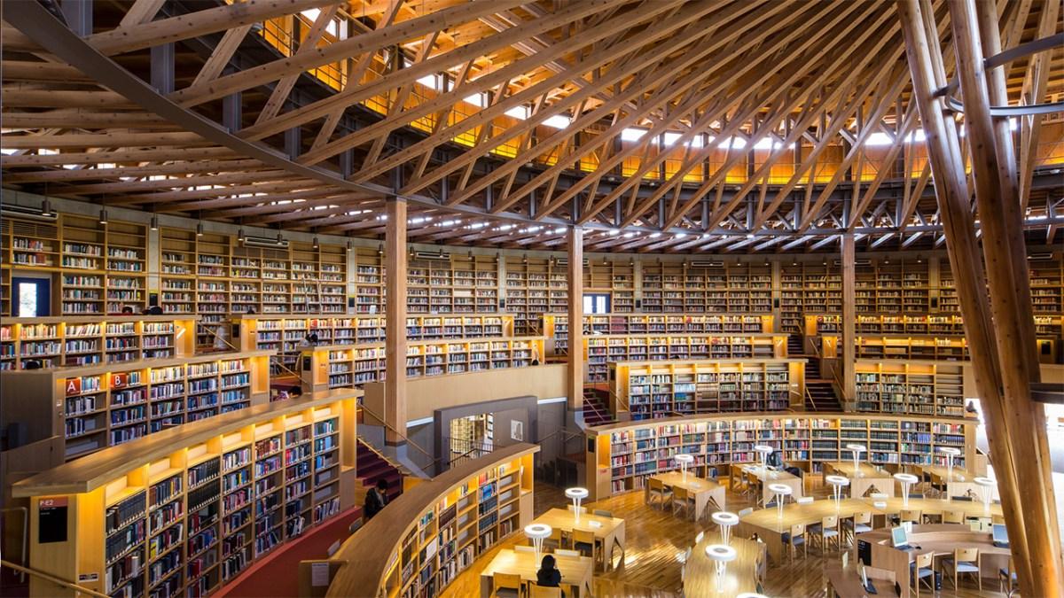Menghabiskan Waktu Di Perpustakaan Colosseum Nakajima Sambil Membaca Dan Belajar 5