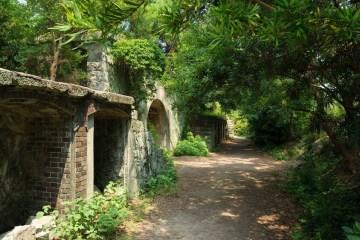 Benteng Tua Dan Mercusuar Legendaris, Wisata Di Pulau Bersejarah Tomogashima !
