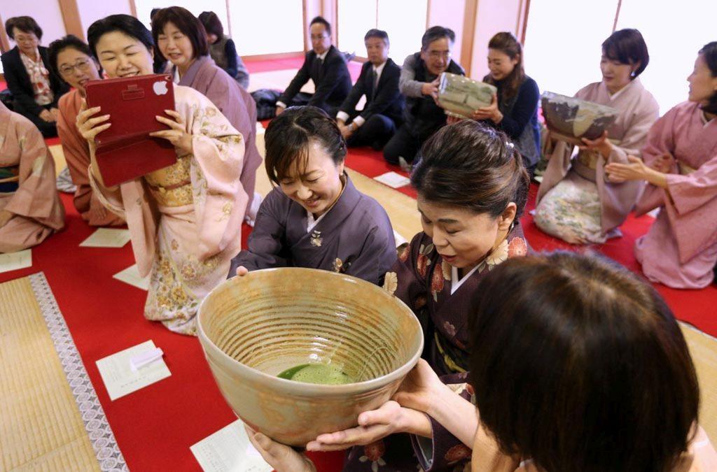 Ochamoroshiki, Sebuah Tradisi Minum Teh Yang Tidak Biasa Di Prefektur Nara !