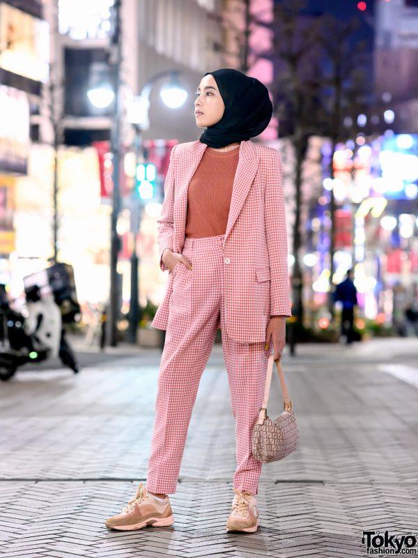 Amelia Elle Tampil Keren Dengan Hijab ala Tokyo Street Style 2