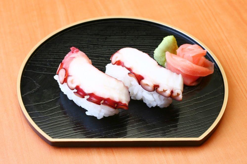 9 Bahan Dasar Yang Populer Dijadikan Sebagai Topping Hidangan Sushi Di Jepang !