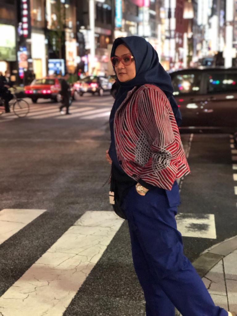 Titin Faradju Padukan Sulam Usus Lampung Dengan Harajuku Style Di Shibuya Jepang (5)