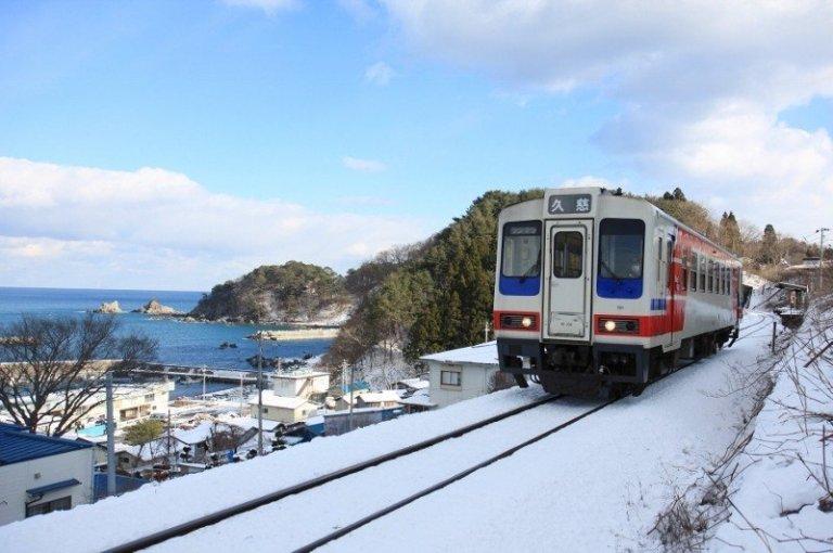5 Jalur Kereta Api Jepang Yang Menawarkan Panorama Indah Selama Perjalanan